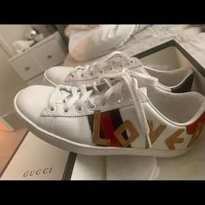 Used Gucci love sneakers